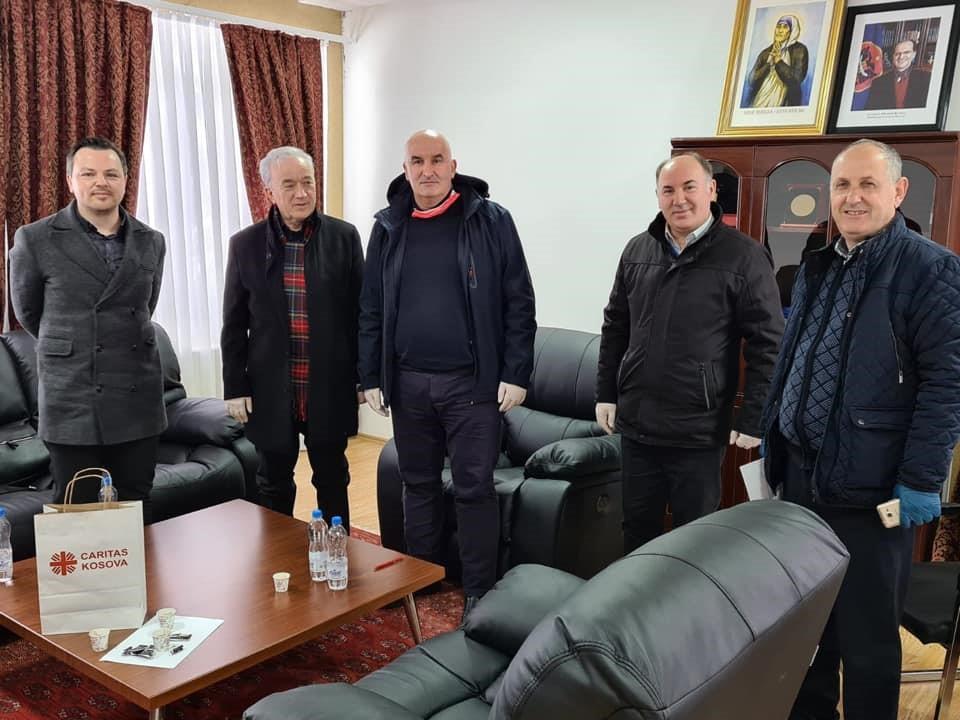 Nënshkruhet kontrata në mes të Caritas Kosova dhe Komunës së Vitisë për shërbime shëndetësore dhe sociale